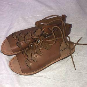 Women's Tie-Up Sandals Sz 7